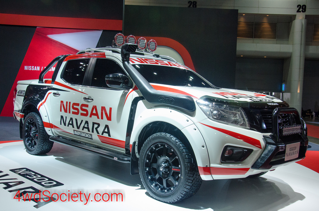 Nissan NP300 Navara ถูกจับแต่งออฟโรด นำมาจัดแสดงในงาน Motor Show 2015