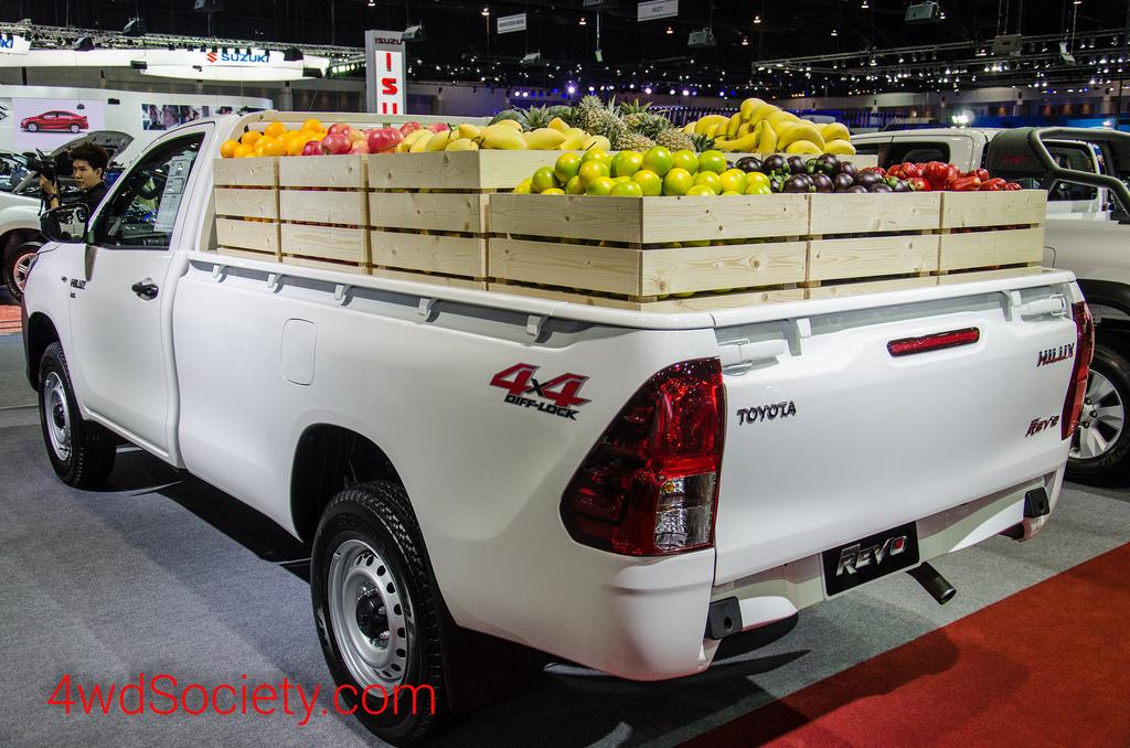 Toyota Hilux Revo Standard Cab 4X4 2.8J รถกระบะตอนเดียว ขับเคลื่อน 4 ล้อ