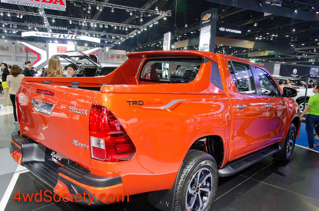 แรงทะลุกระจก! ยอดขายรถกระบะ (Pick-up) เดือนกุมพาพันธ์ 2560